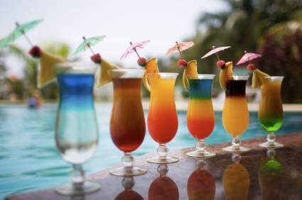 The best summer cocktails by the pool for Cocktail avec rhum